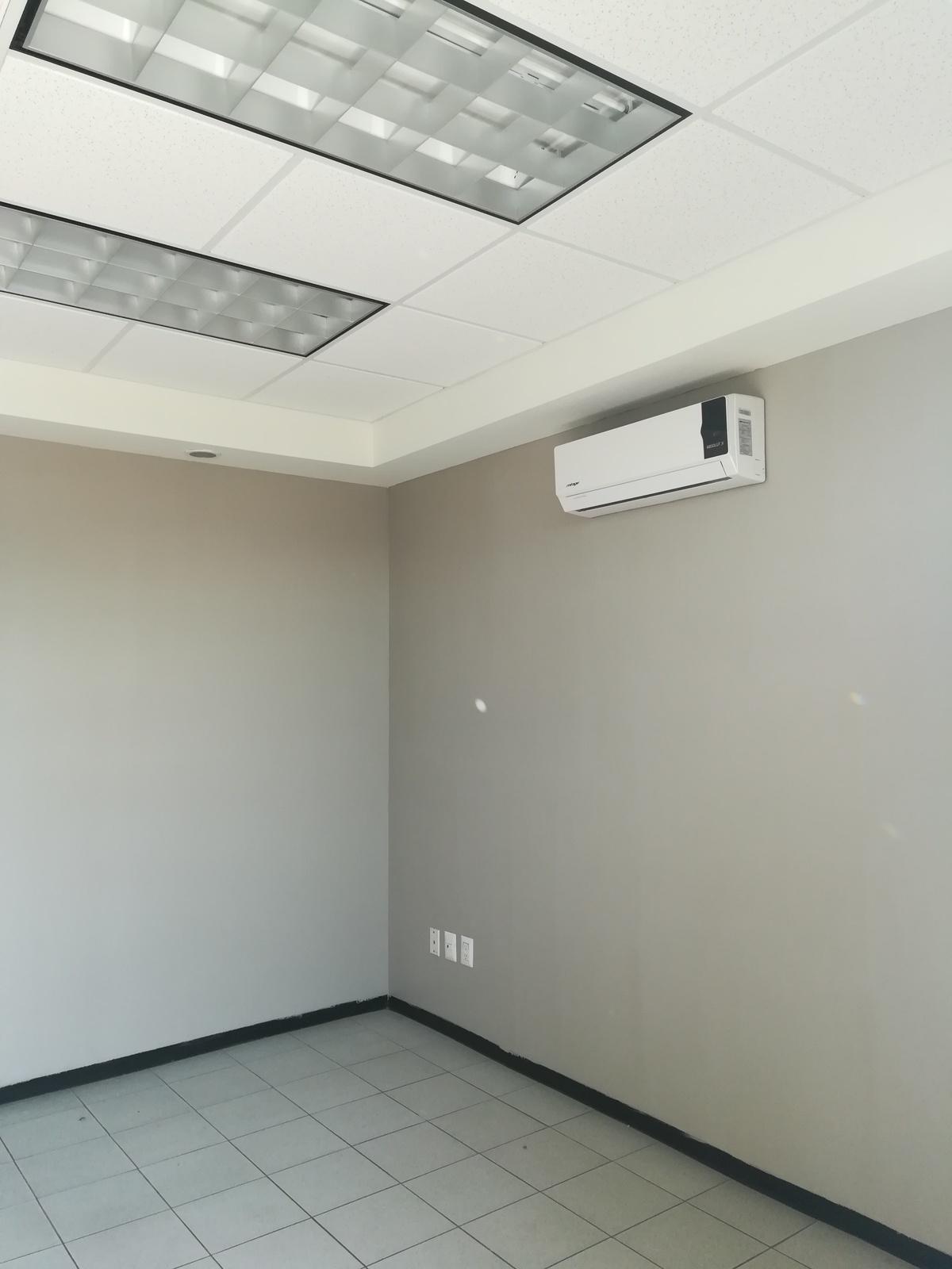 6 de 19: Oficinas con Aire acondicionado