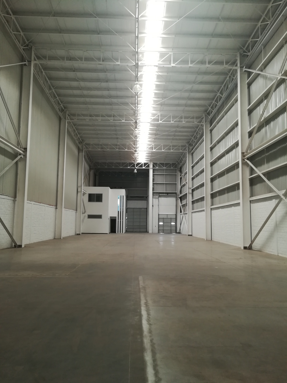 1 de 19: Oficinas dentro de la Bodega