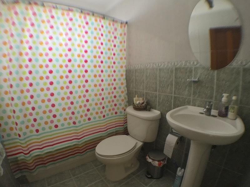 14 de 15: Baño habitaciones secundarias