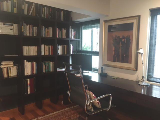 12 de 17: Escritorio en dormitorio principal