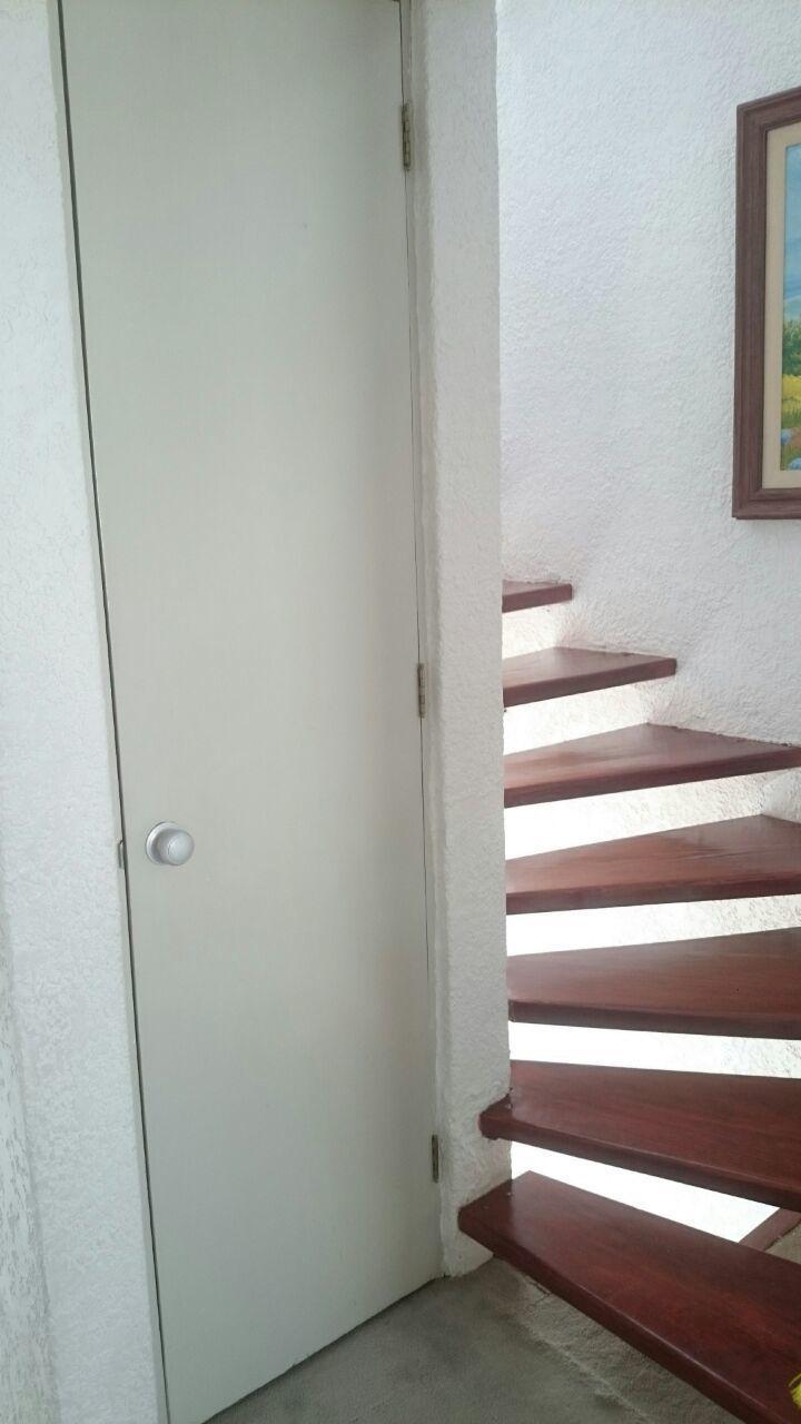 10 de 11: Escaleras para tercer piso