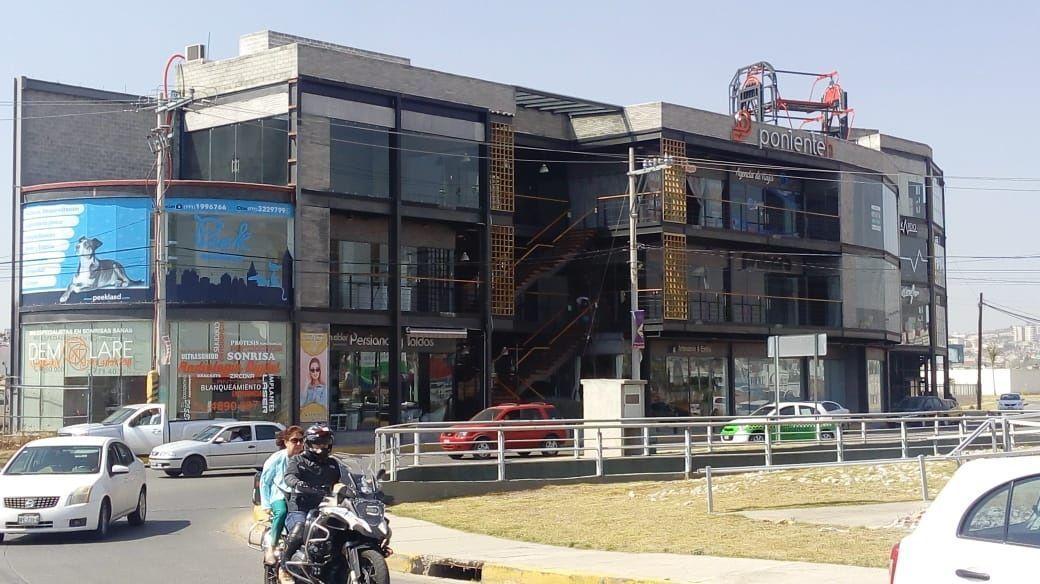 3 de 12: Edificio Comercial con mucha Visibilidad Ponienteh