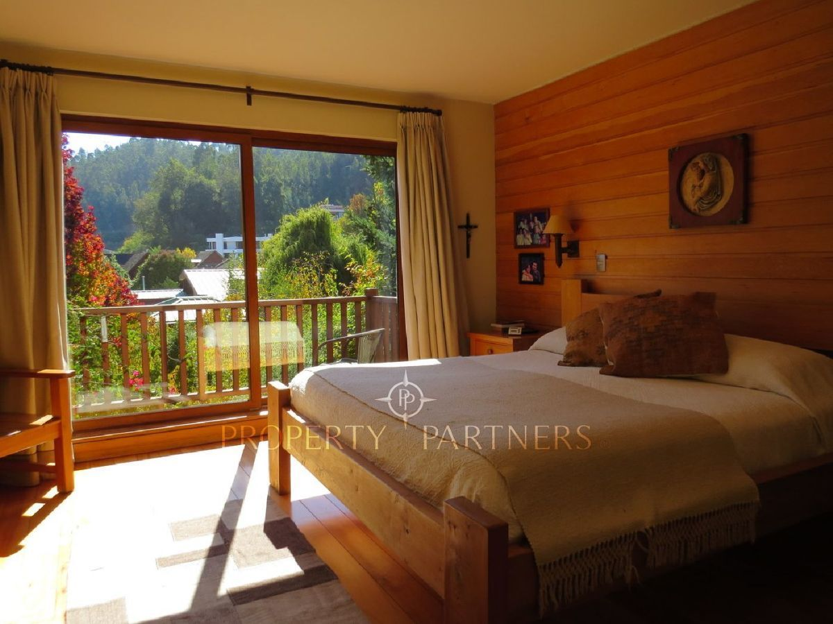13 de 21: Dormitorio principal en suite muy soleado