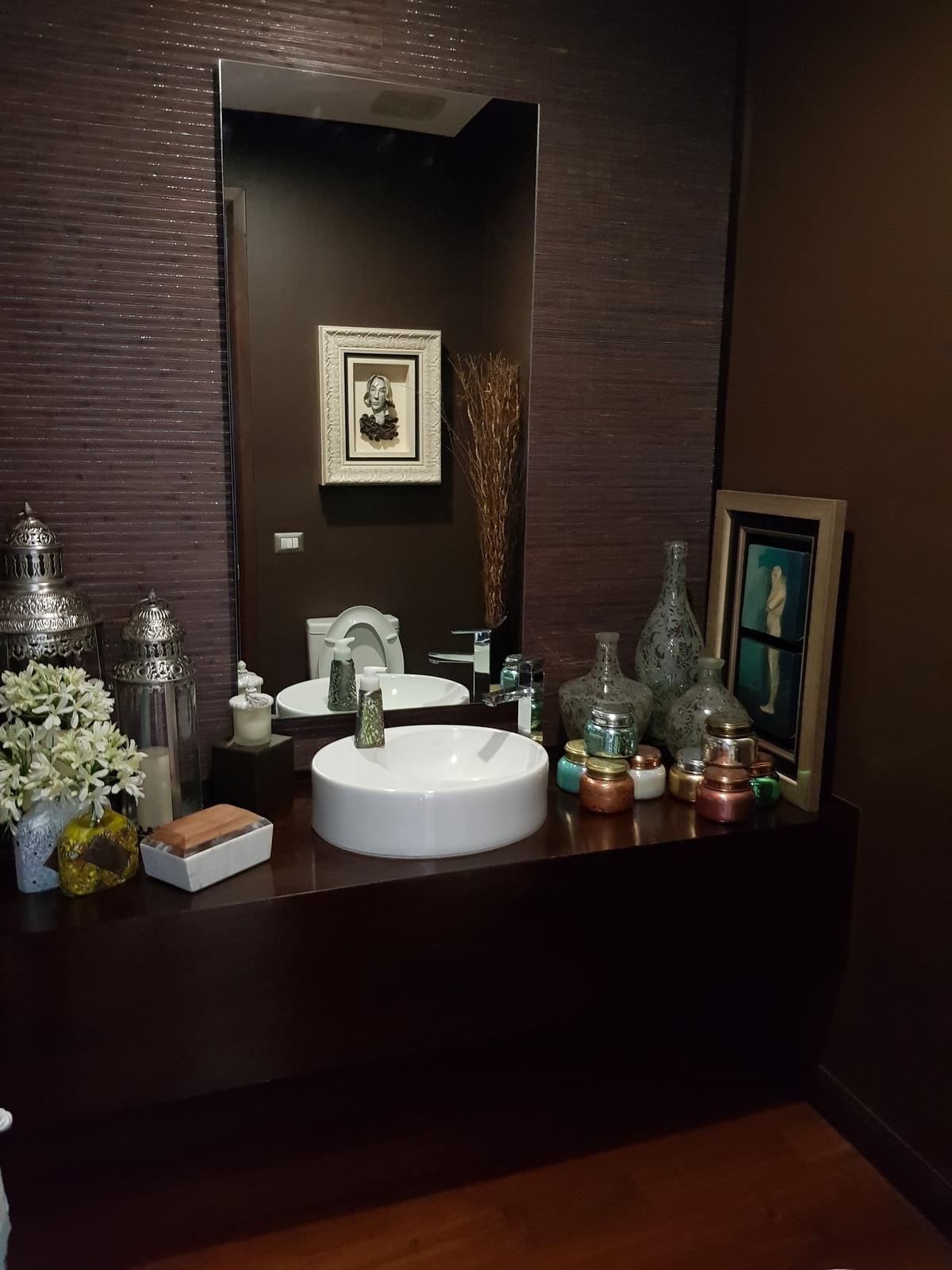 5 de 12: Baño de visitas