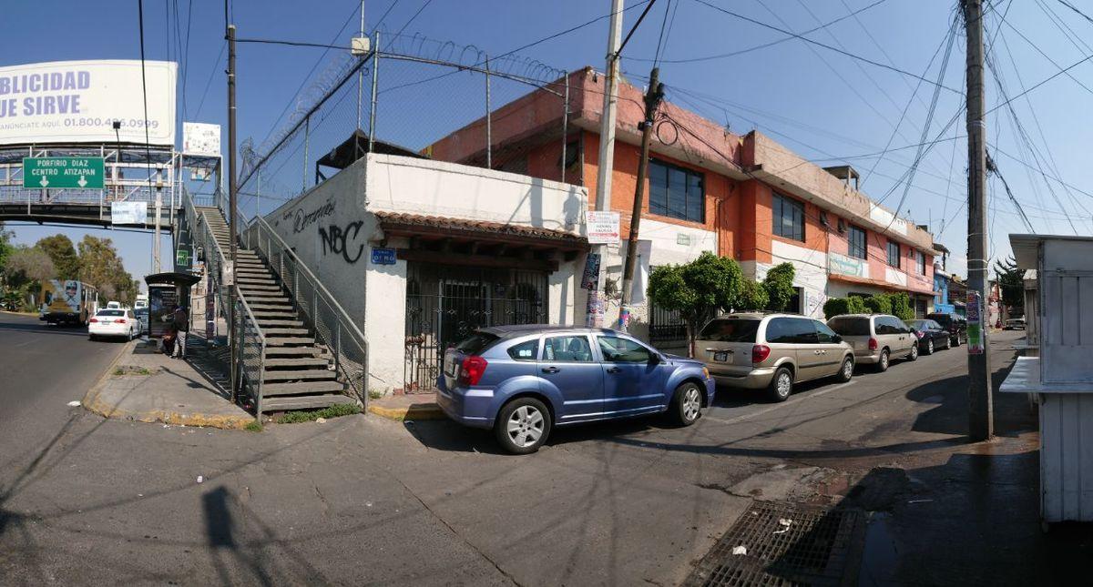 4 de 7: Calle Olmos esquina Ruiz Cortines. frente a palacio Atizapan