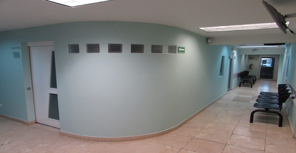 5 de 32: PASILLO DE HOSPITAL