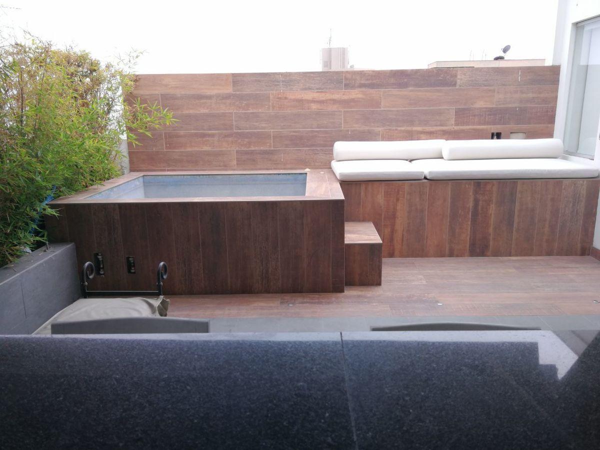 2 de 22: Vista de la piscina