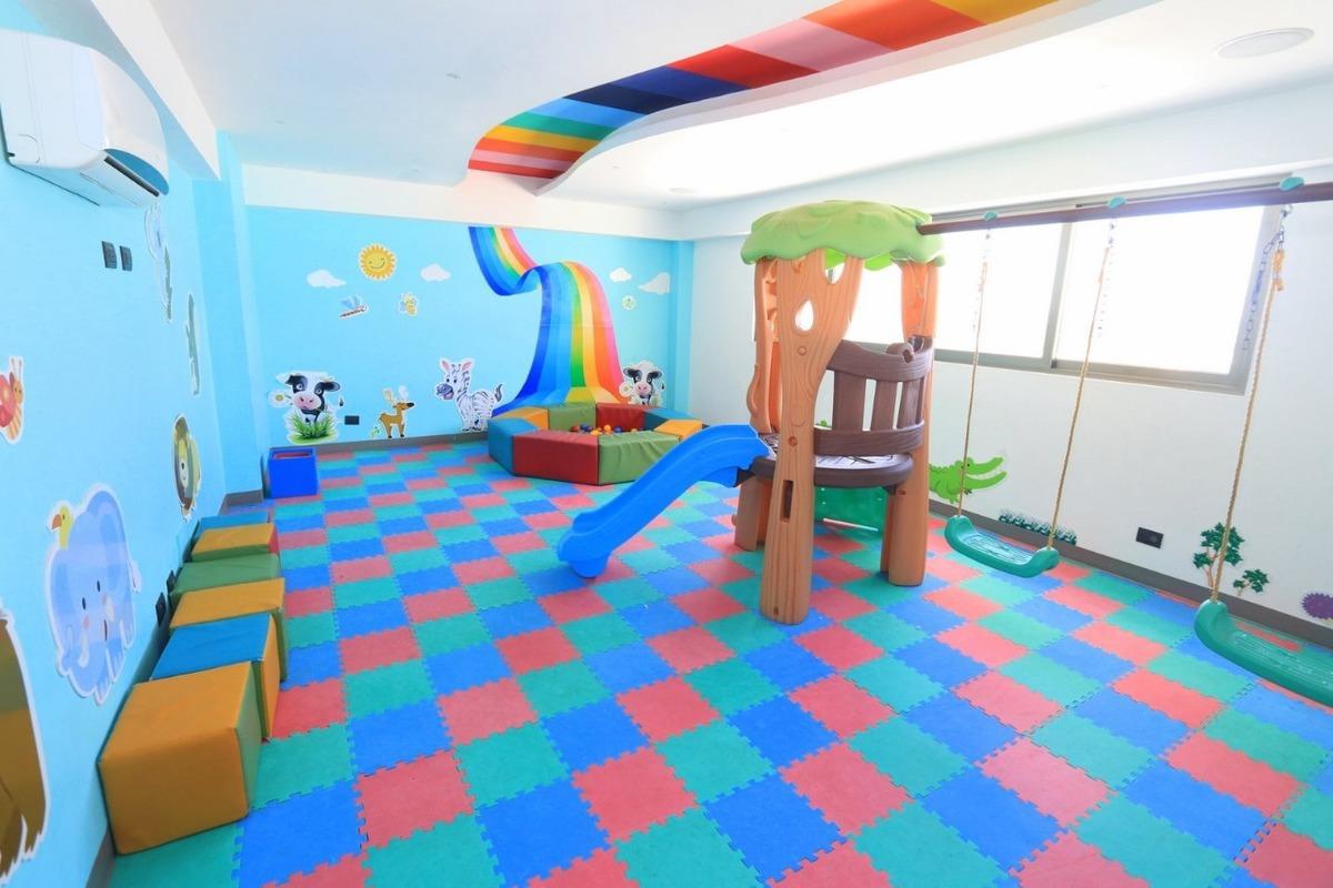 8 de 30: Area de Juego de Niños