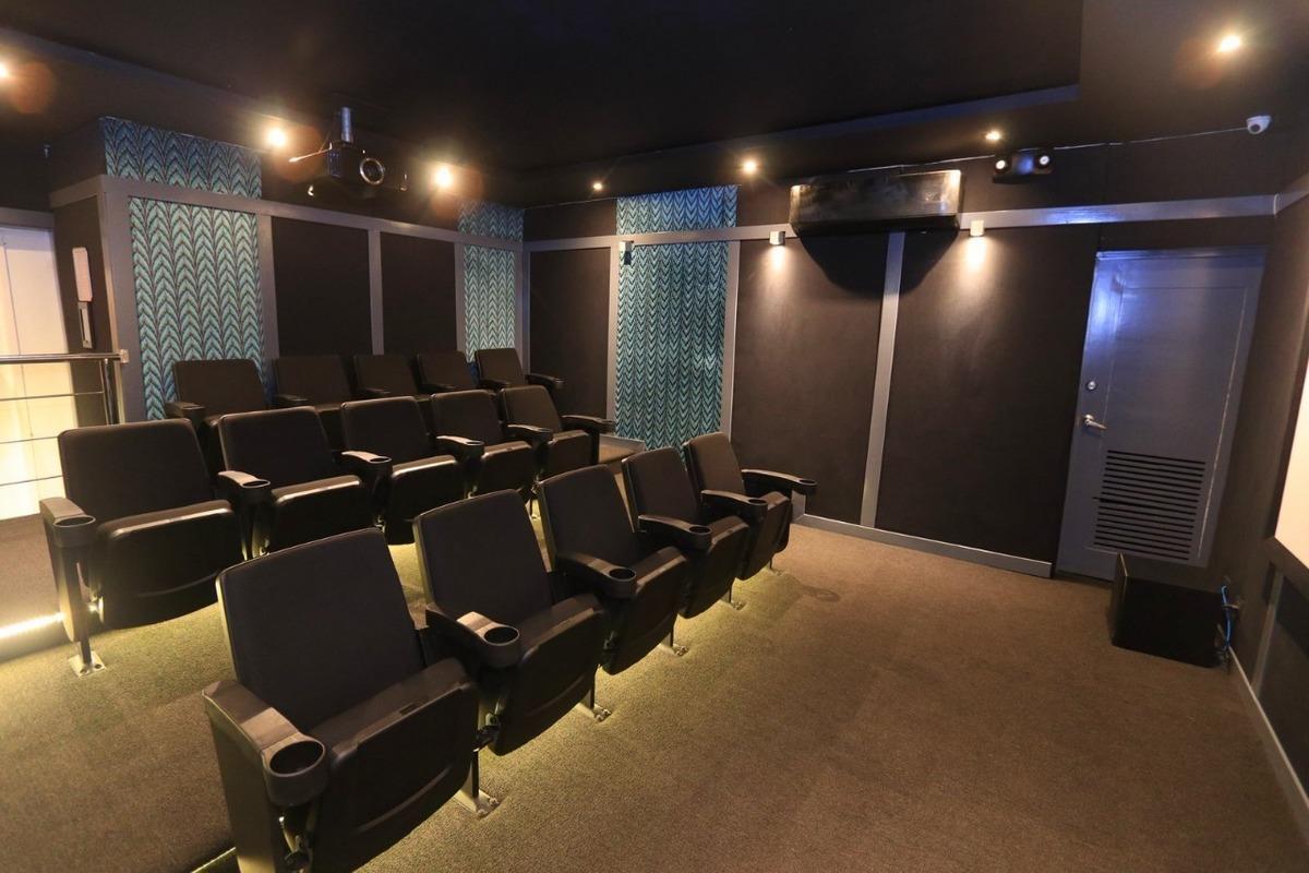 6 de 30: Confortable Cine