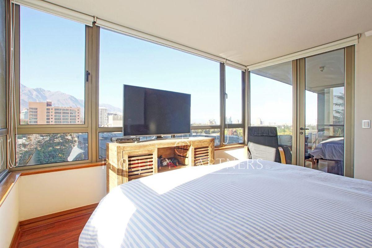 9 de 16: Dormitorio principal en suite