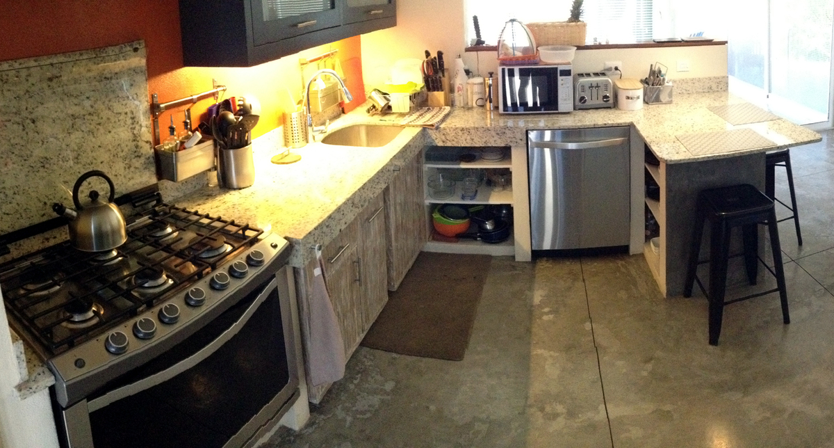 5 of 16: Fully equipped kitchen