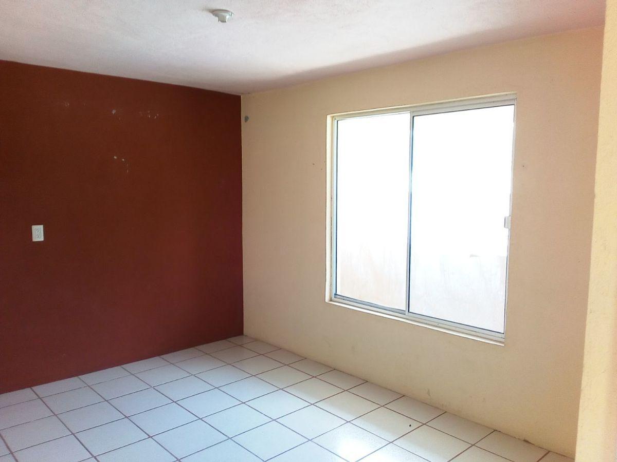 6 de 12: Habitación en segundo nivel.