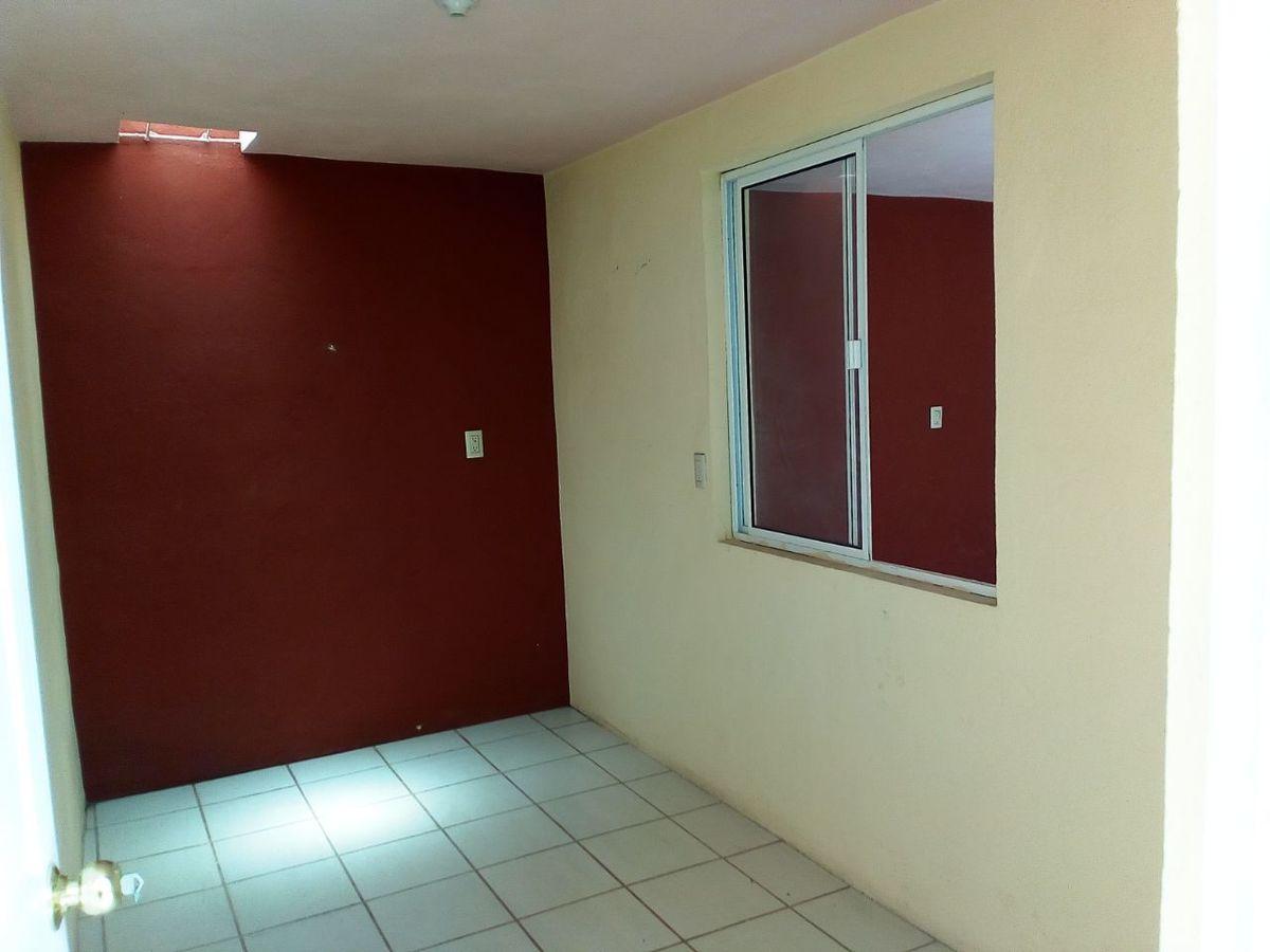 4 de 12: Habitación en primer nivel.