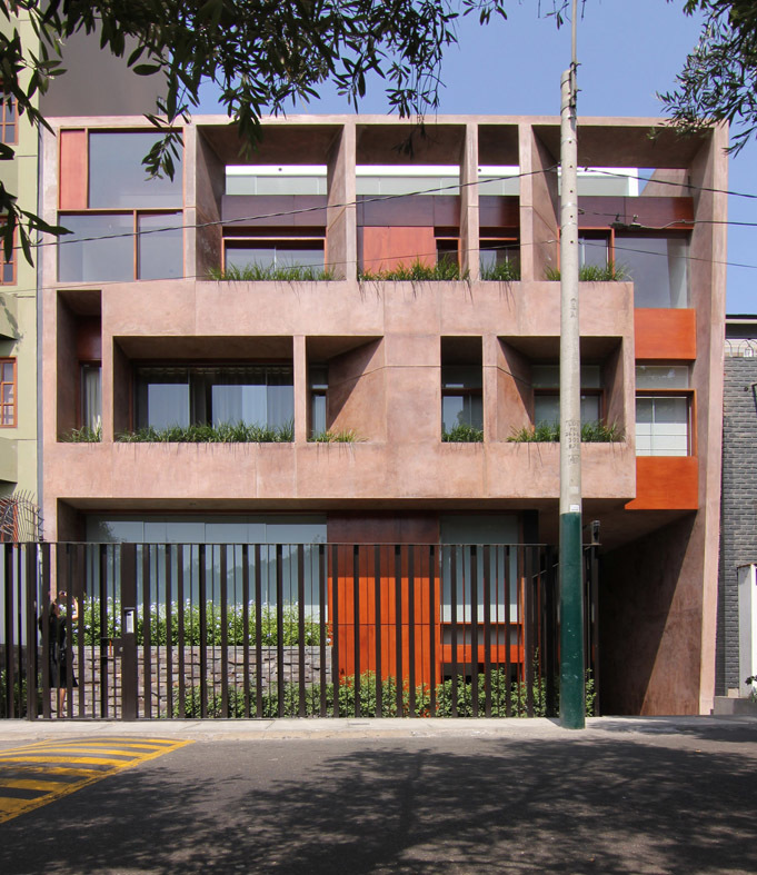 29 de 31: Fachada del edificio de solo dos departamentos
