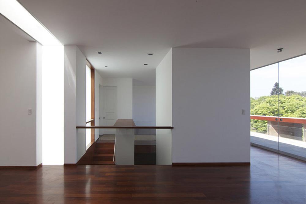 30 de 31: Imagen referencial de los arquitectos antes de construir