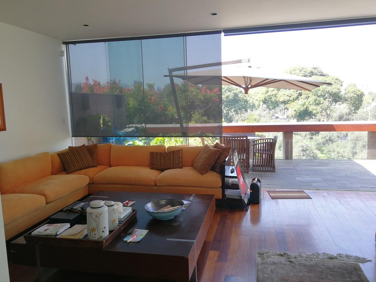 10 de 31: Gran Sala de estar con Salida a Terraza, en área social
