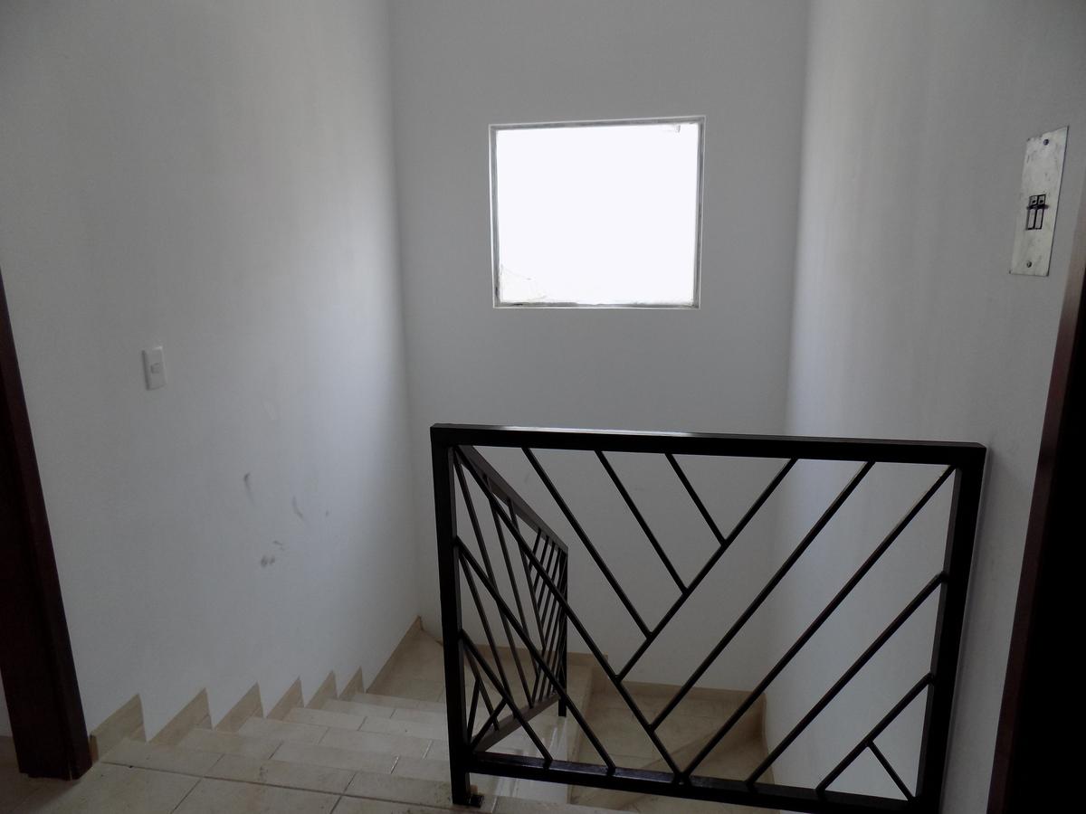 23 de 23: Escaleras