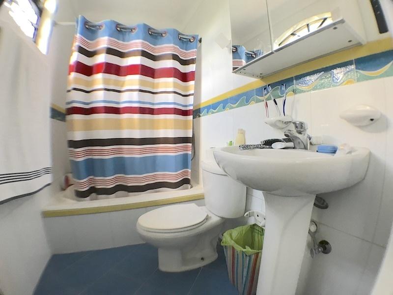 15 de 19: Baño habitación secundaria 2
