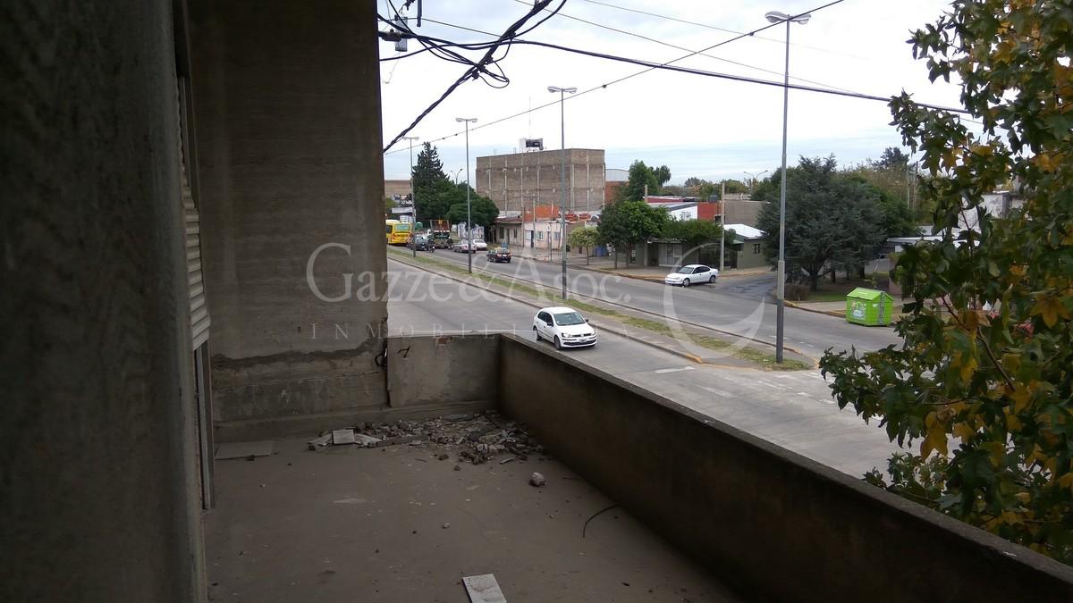 17 de 39: Balcón al frente