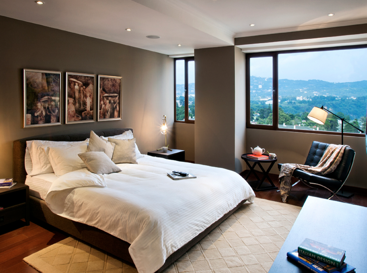 3 de 9: Dormitorio master con walking closet y baño