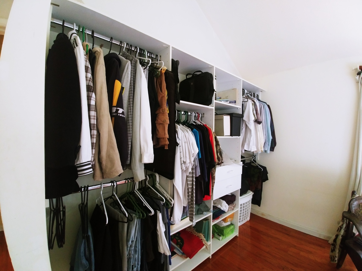 14 de 23: closet dormitorio secundario