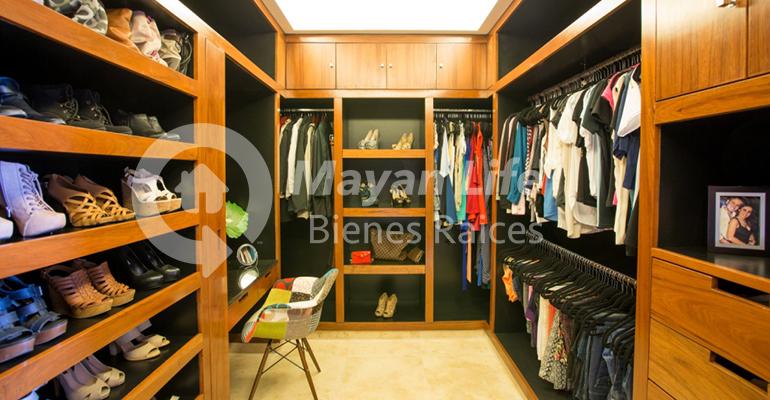 5 de 33: Closet vestidor