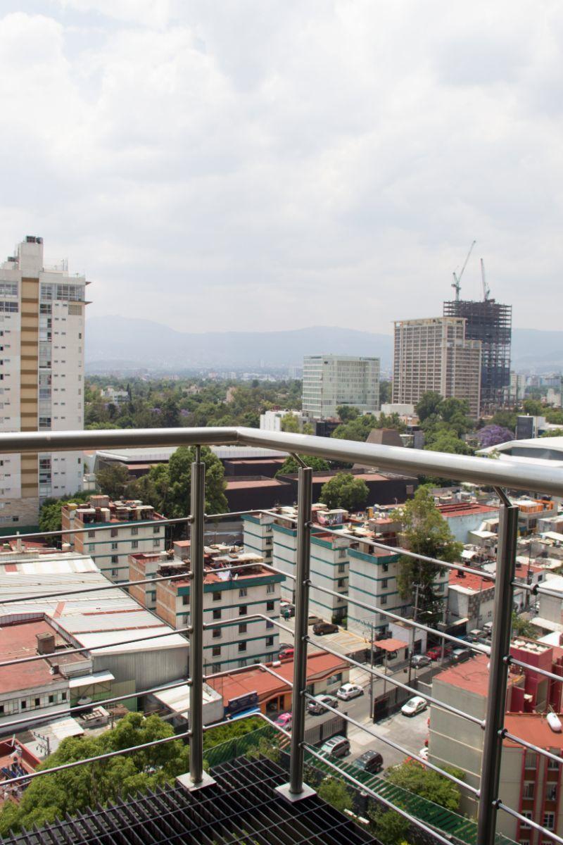 13 de 19: Balcón