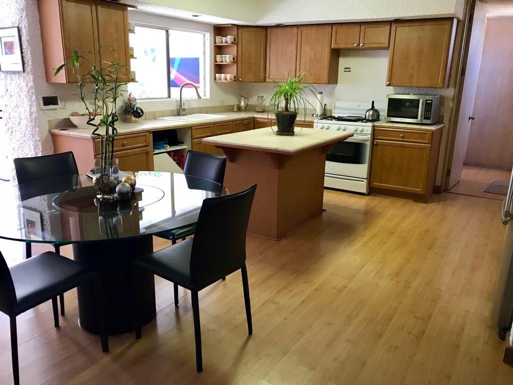 2 de 11: Cocina, pisos de madera de bambù.