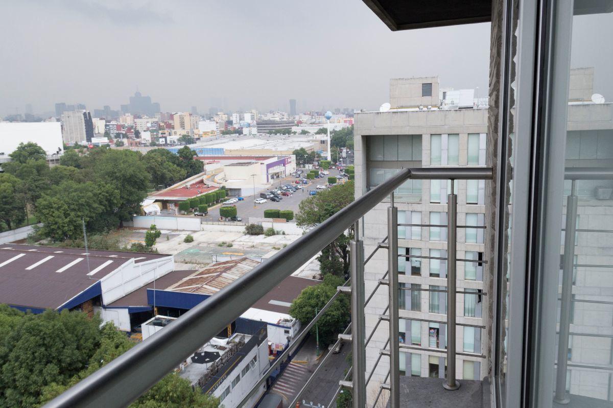 13 de 25: Balcón