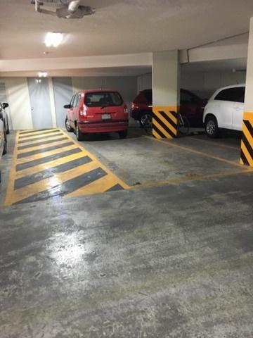 18 de 19: Cajones de Estacionamiento