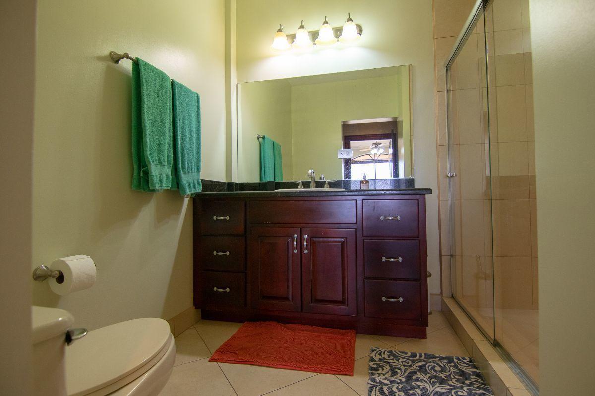 10 of 15: Master bathroom