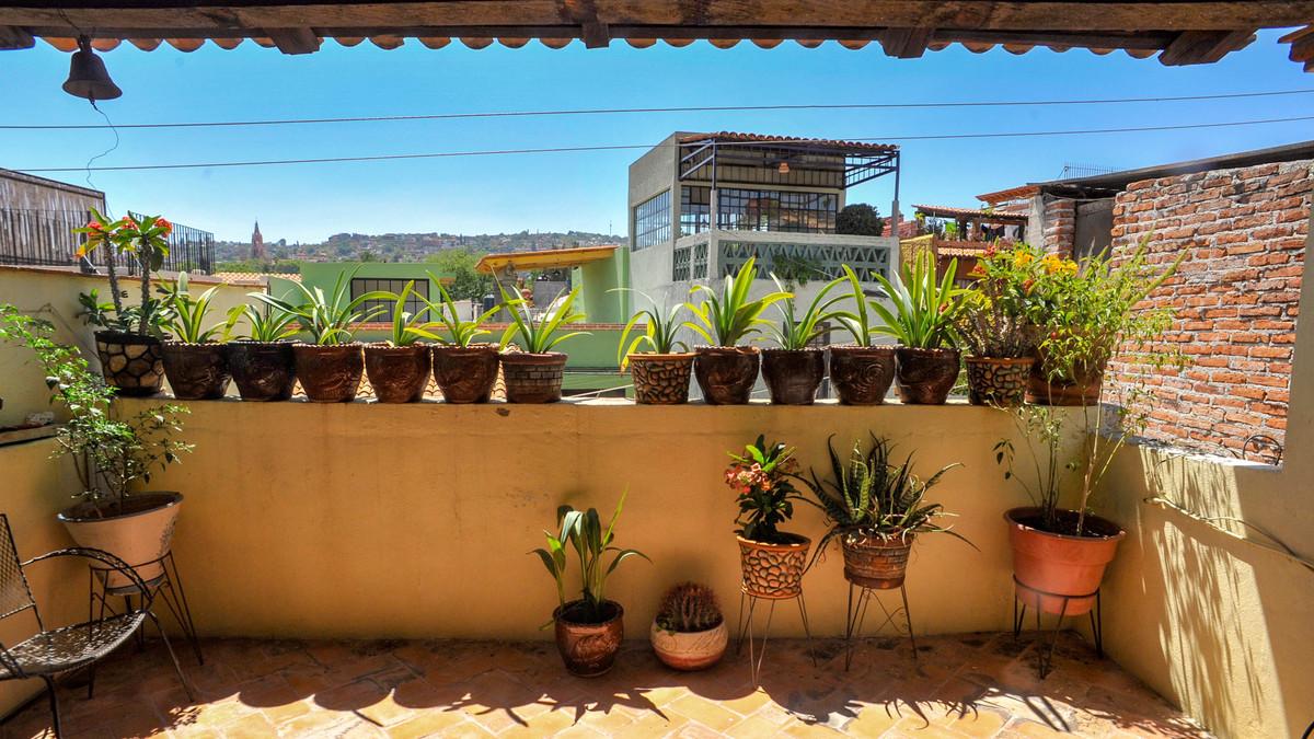 14 of 14: Terraza segundo piso