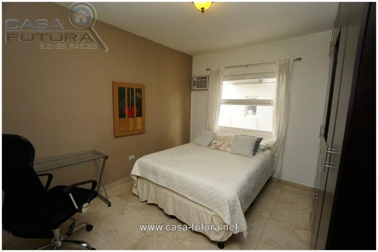 15 de 24: Dormitorio 3