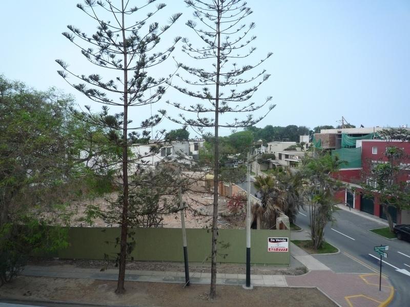 6 de 19: Esquina en venta en ubicación absolutamente residencial