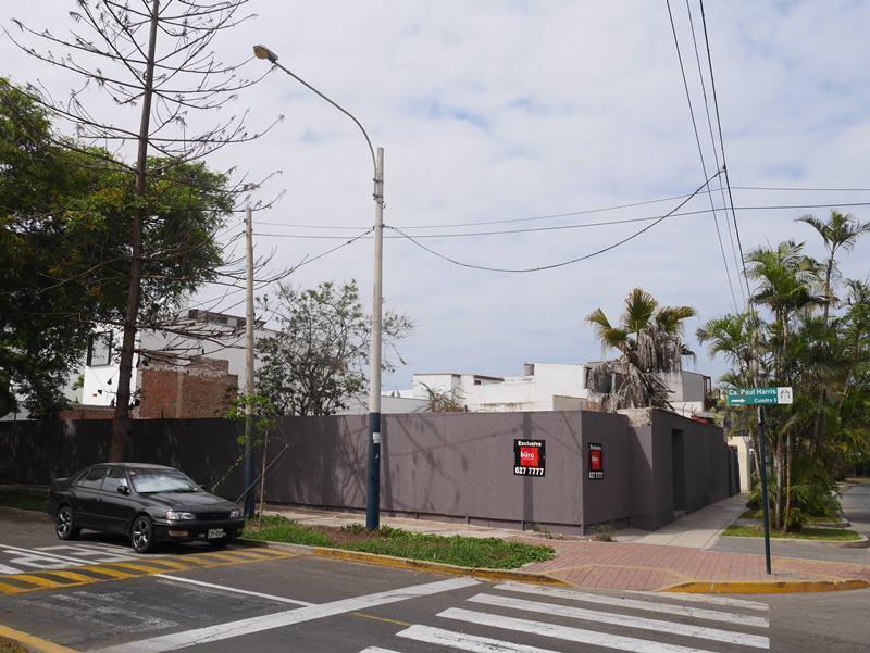 11 de 20: Esquina en venta en ubicación absolutamente residencial