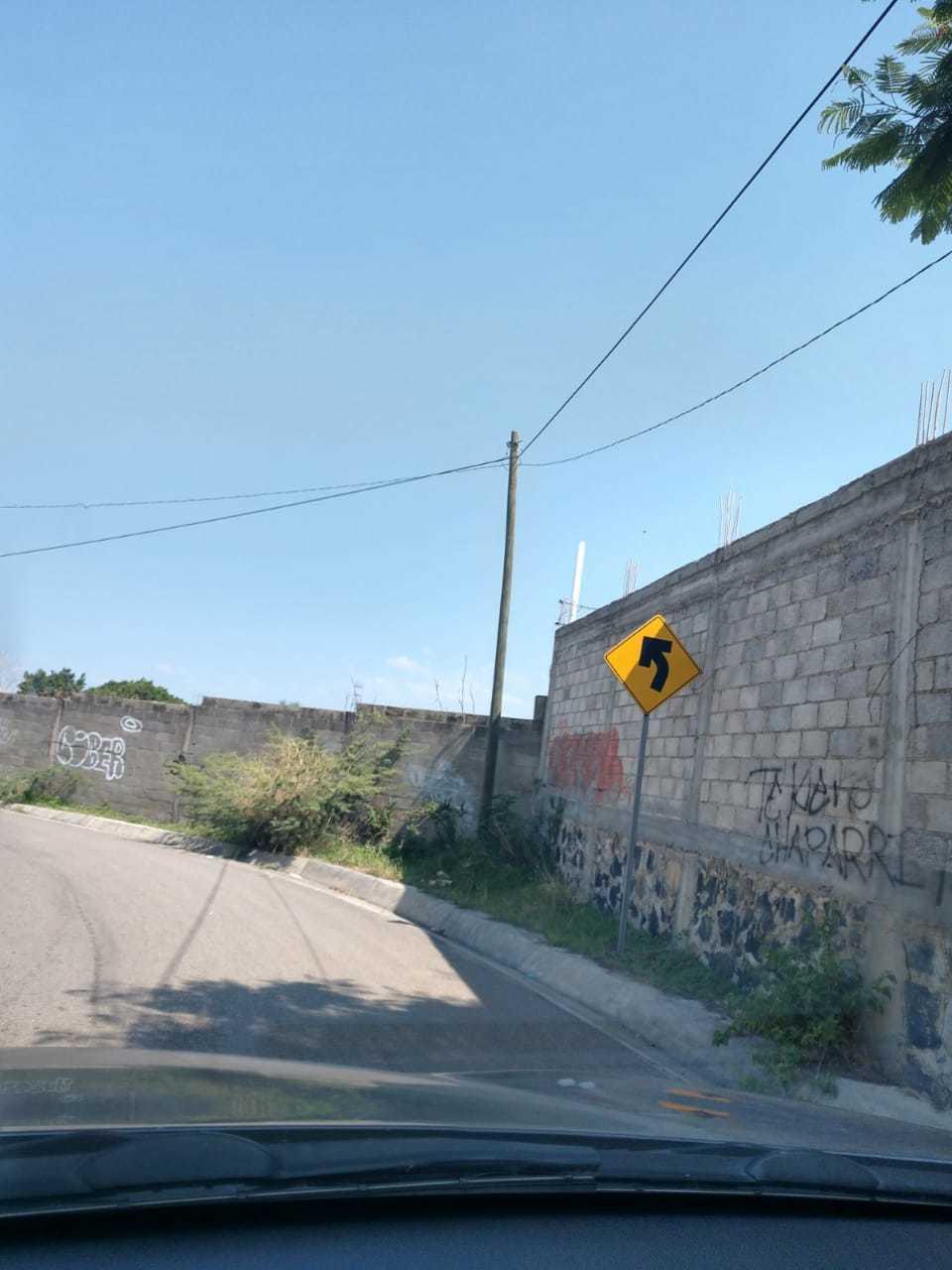 4 de 12: SEÑALAMIENTO HACIA CAMINO DE NO MAS 750 METROS