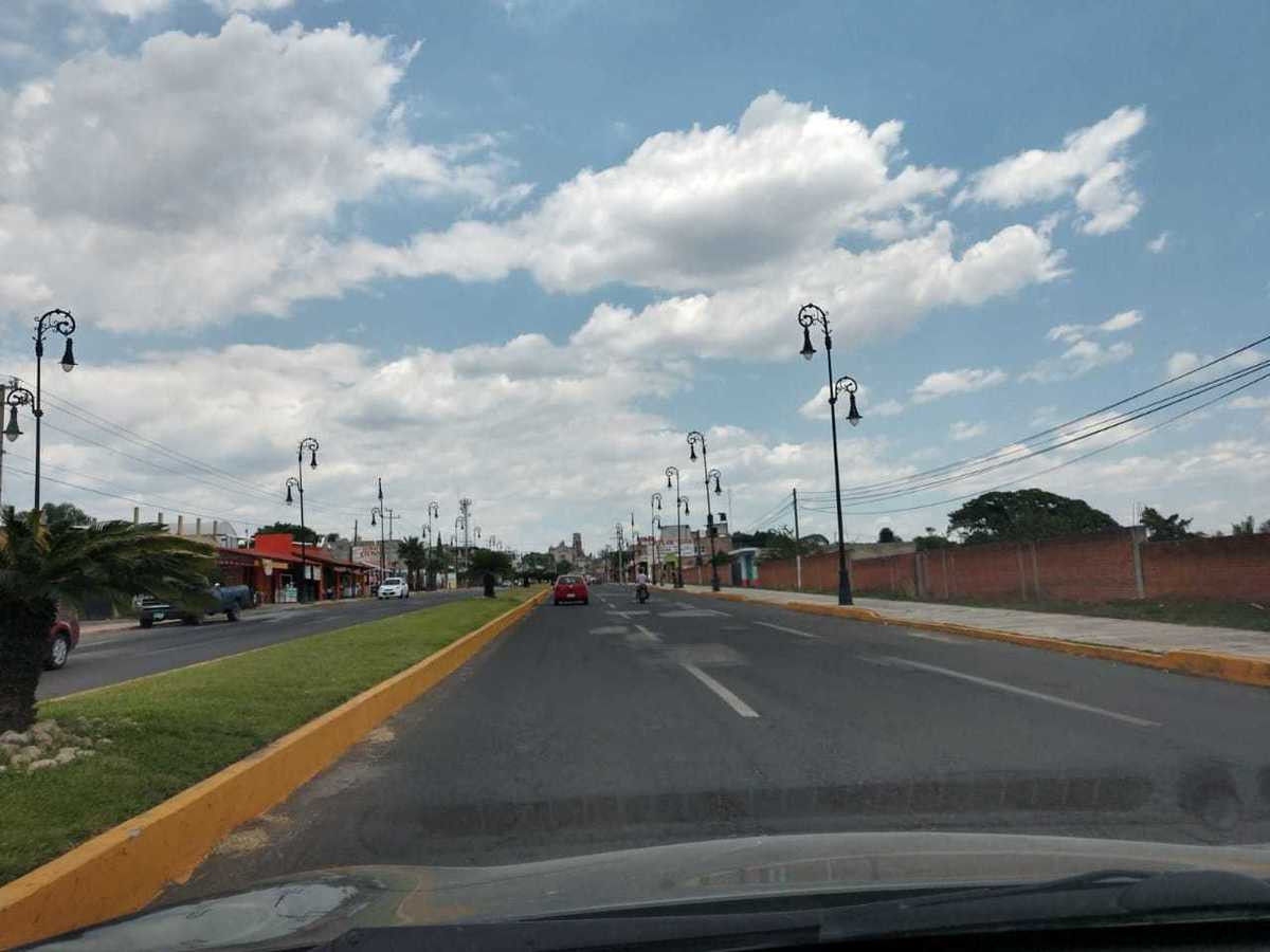 1 de 12: AV PRINCIPAL HACIAL CENTRO DE YECAPIXTLA (MERCADO DE CECINA)