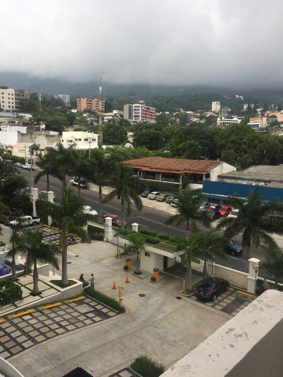 1 de 8: Vista a San Salvador