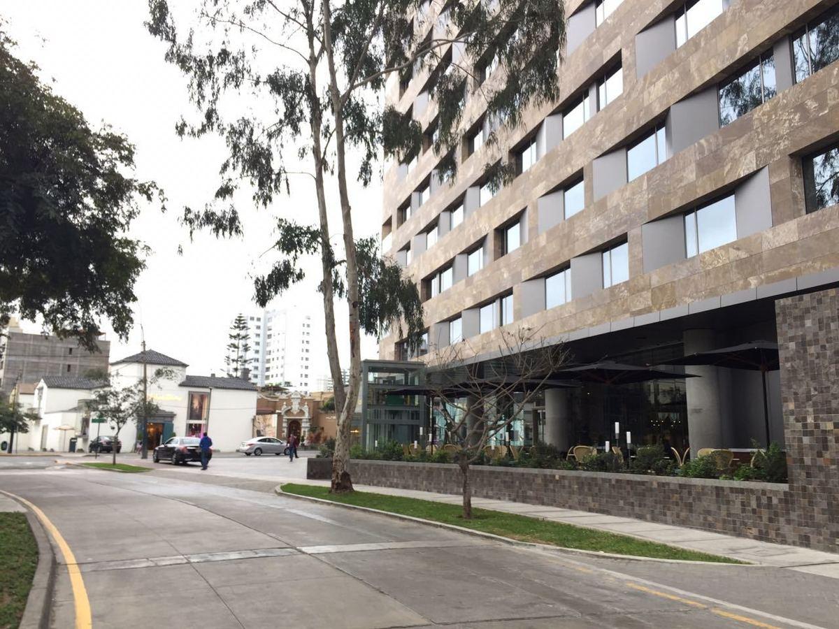4 de 8: Hotel Hilton, recientemente inaugurado a una casa