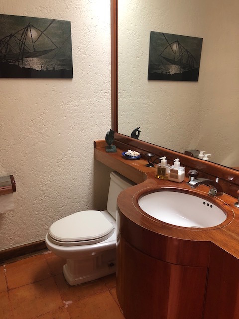 5 de 30: Baño de visitas
