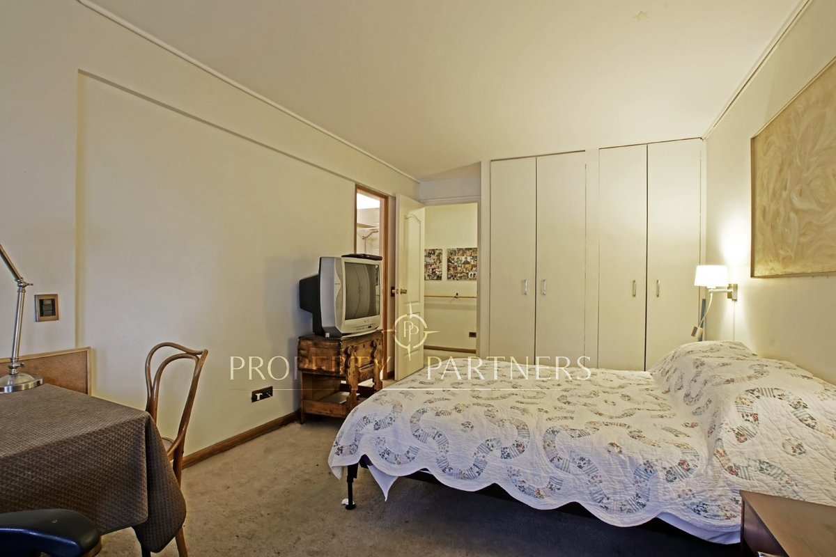 9 de 13: Dormitorio Secundario