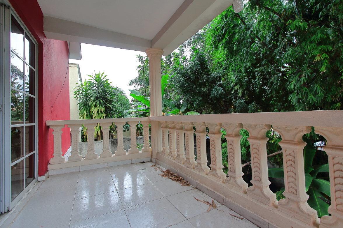 20 de 27: Balcón privado Hab. Principal
