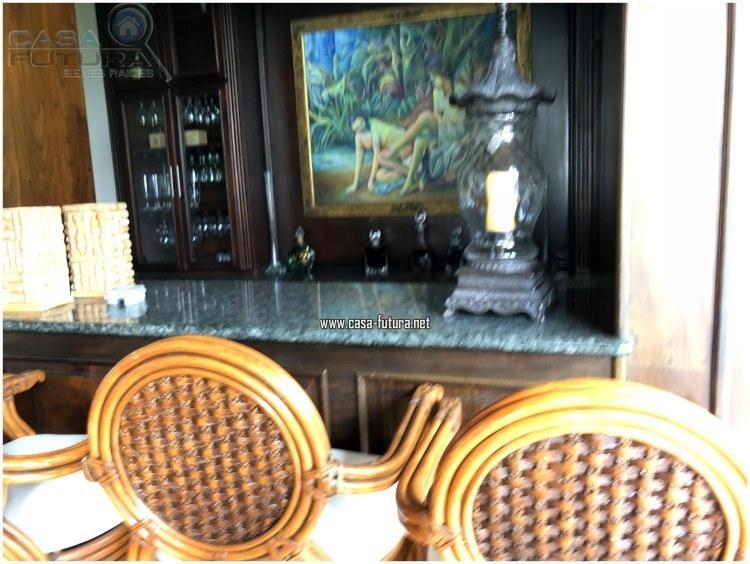 13 de 20: Bar con top de granito