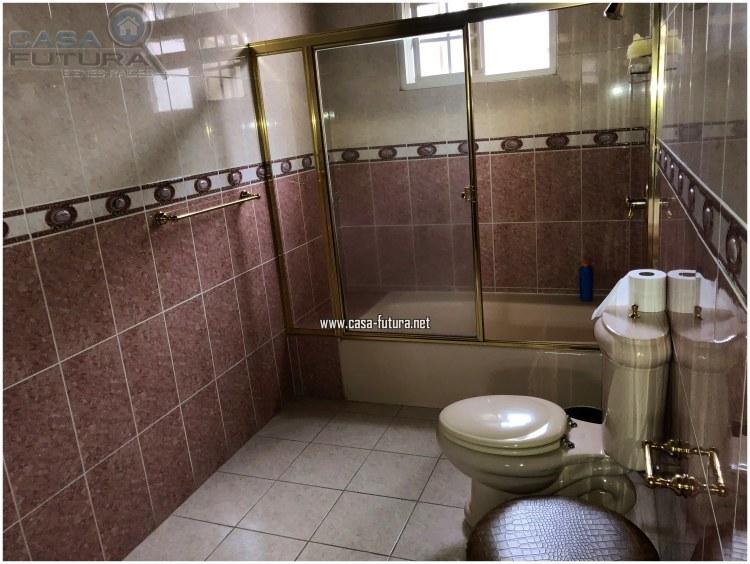 20 de 20: Baño de habitaciones secundarias