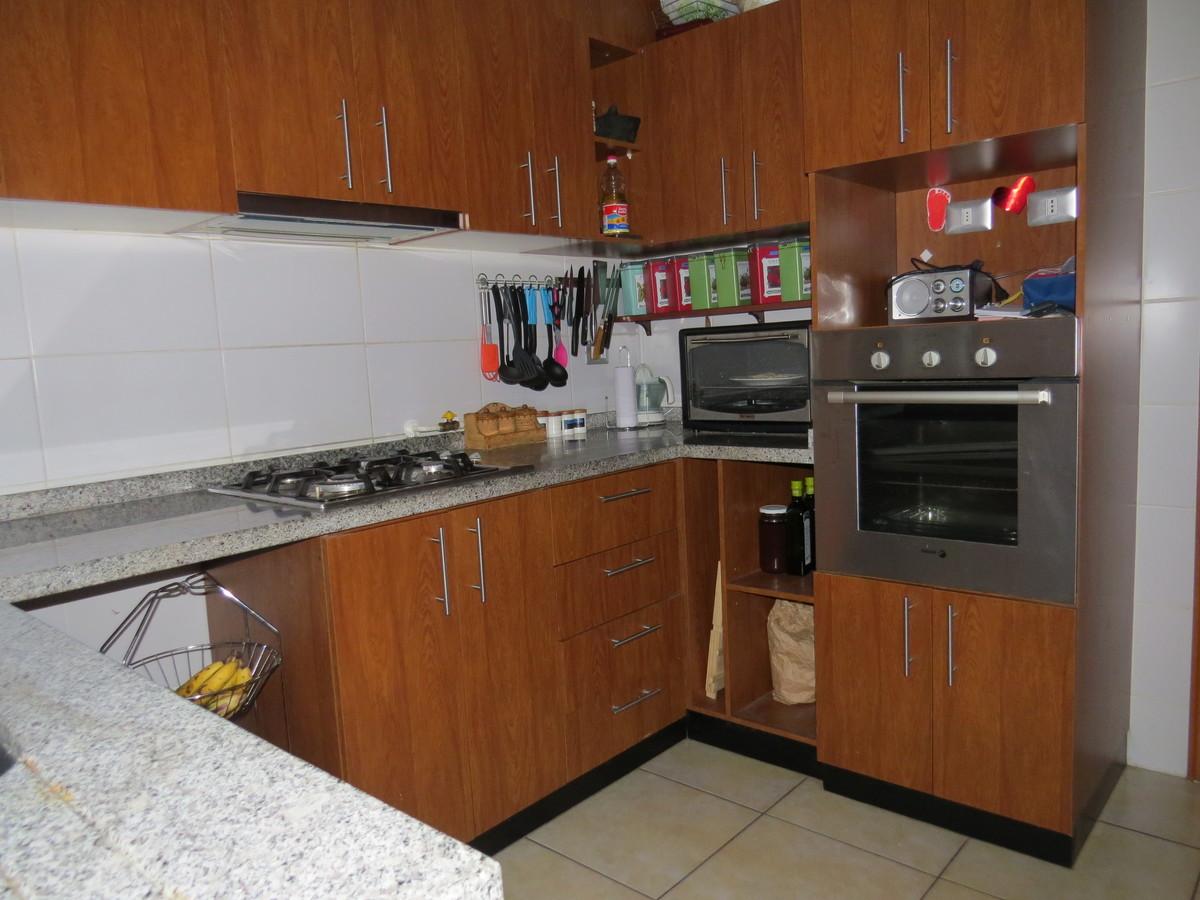 5 de 9: cocina equipada