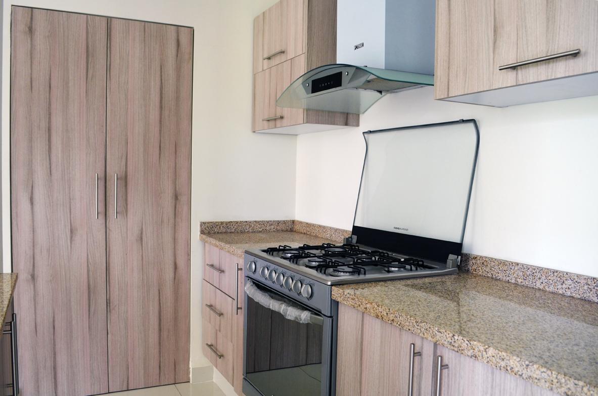 6 de 29: cocina integral con refriguerador