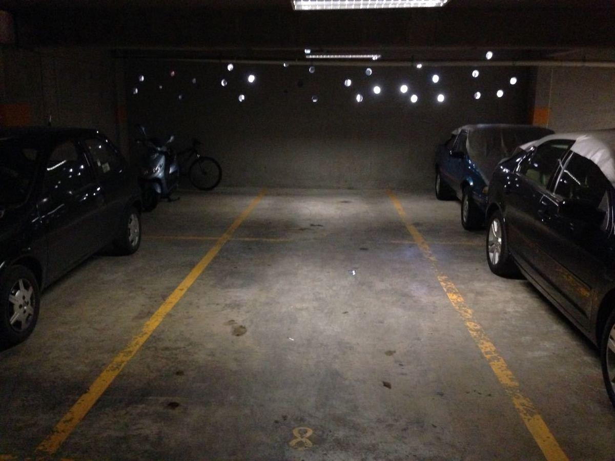 18 de 21: Estacionamiento