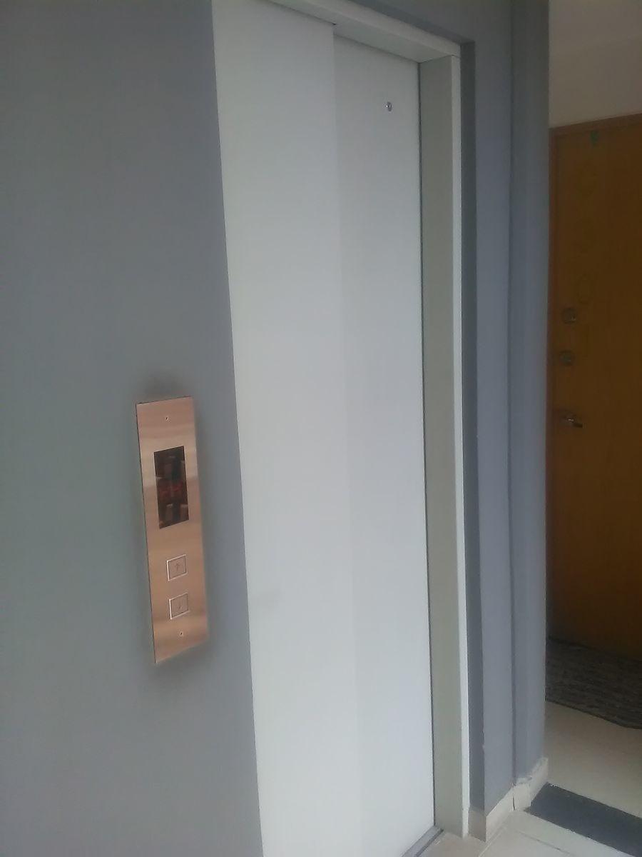 3 de 21: Acceso con elevador desde el Estacionamiento