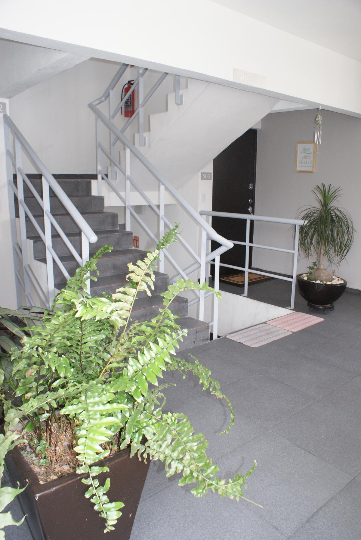 6 de 31: Escaleras al piso 5