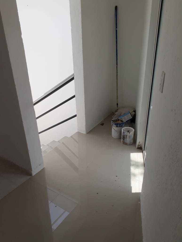 42 de 42: Pasillo de distribución en 3er  piso